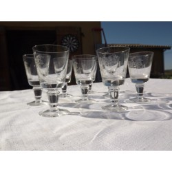 8 Verres anciens cristal gravés