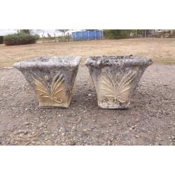 Paire de Vases en Pierre de Gironde 18 ème